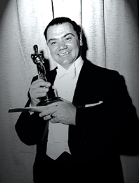 borgnine_with_oscar